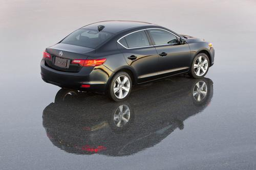 Photo Image Gallery & Touchup Paint: Acura Ilx in Crystal Black Pearl  (NH731P)  YEARS: 2013-2018