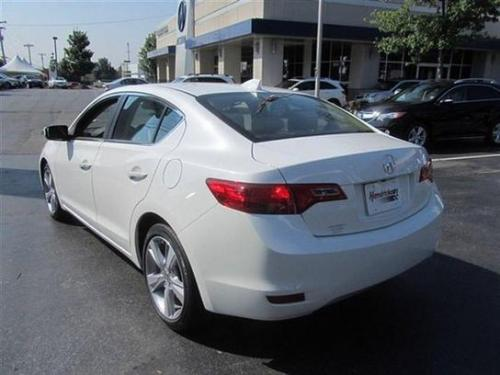 Photo Image Gallery & Touchup Paint: Acura Ilx in Bellanova White Pearl  (NH788P)  YEARS: 2013-2018