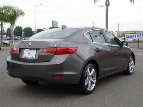 Photo Image Gallery & Touchup Paint: Acura Ilx in Amber Brownstone Metallic  (YR578M)  YEARS: 2013-2015