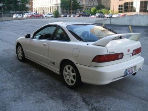Photo Image Gallery & Touchup Paint: Acura Integra in Championship White   (NH0)  YEARS: 1997-1998