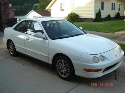 Photo Image Gallery & Touchup Paint: Acura Integra in Taffeta White   (NH578)  YEARS: 1999-2001