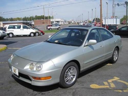 Photo Image Gallery & Touchup Paint: Acura Integra in Citrus Silver Metallic  (NH597M)  YEARS: 1997-1998