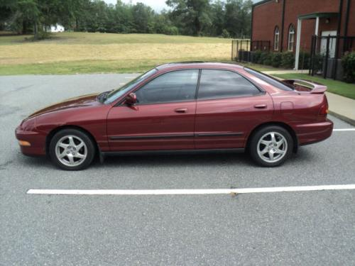 Photo Image Gallery & Touchup Paint: Acura Integra in Torino Red Pearl  (R72P)  YEARS: 1994-1995