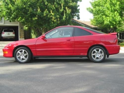 Photo Image Gallery & Touchup Paint: Acura Integra in Milano Red   (R81)  YEARS: 1994-2001