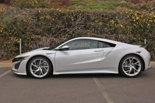 Photo Image Gallery & Touchup Paint: Acura Nsx in Casino White Pearl  (NH839P)  YEARS: 2017-2018