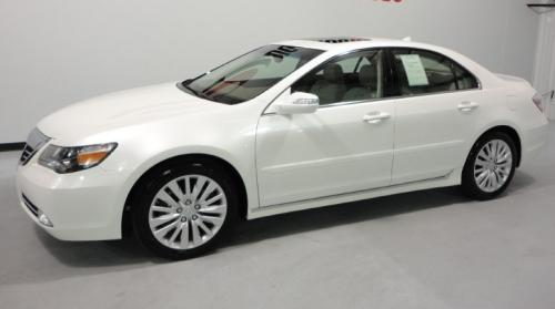 Photo Image Gallery & Touchup Paint: Acura RL in Alberta White Pearl  (NH717P)  YEARS: 2009-2012