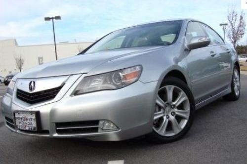 Photo Image Gallery: Acura RL in Platinum Frost Metallic  (NH727M)  YEARS: -