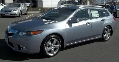 Photo Image Gallery & Touchup Paint: Acura Tsx in Forged Silver Metallic  (NH789M)  YEARS: 2011-2014