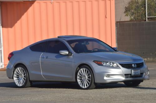 Photo Image Gallery & Touchup Paint: Honda Accord in Alabaster Silver Metallic  (NH700M)  YEARS: 2008-2012