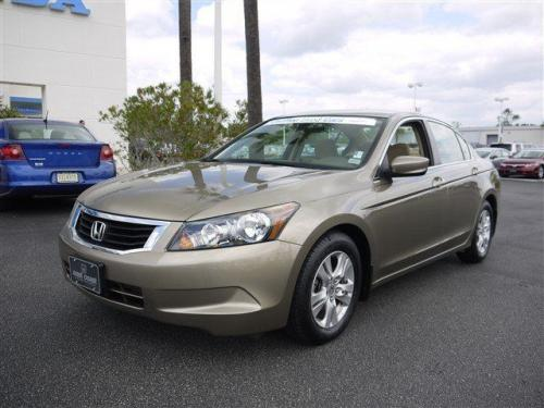 Photo Image Gallery & Touchup Paint: Honda Accord in Bold Beige Metallic  (YR574M)  YEARS: 2008-2010