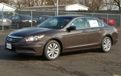 Photo Image Gallery & Touchup Paint: Honda Accord in Dark Amber Metallic  (YR587M)  YEARS: 2011-2012