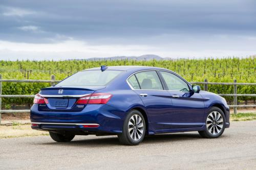 Photo Image Gallery & Touchup Paint: Honda Accord in Vortex Blue Pearl  (B553P)  YEARS: 2017-2017
