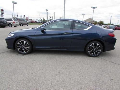 Photo Image Gallery: Honda Accord in Deep Blue Opal Metallic (B615M)  YEARS: -