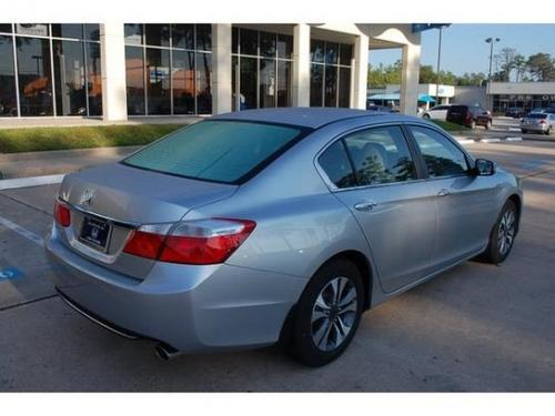Photo Image Gallery & Touchup Paint: Honda Accord in Alabaster Silver Metallic  (NH700M)  YEARS: 2014-2015