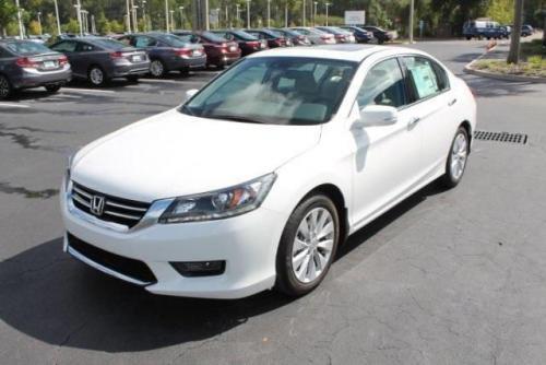 Photo Image Gallery & Touchup Paint: Honda Accord in White Orchid Pearl  (NH788P)  YEARS: 2013-2017