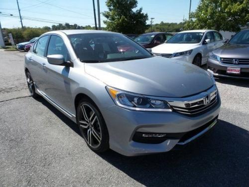 Photo Image Gallery & Touchup Paint: Honda Accord in Lunar Silver Metallic  (NH830M)  YEARS: 2017-2017