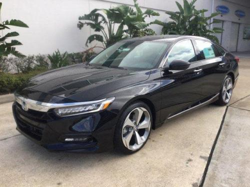 Photo Image Gallery & Touchup Paint: Honda Accord in Crystal Black Pearl  (NH731P)  YEARS: 2018-2018