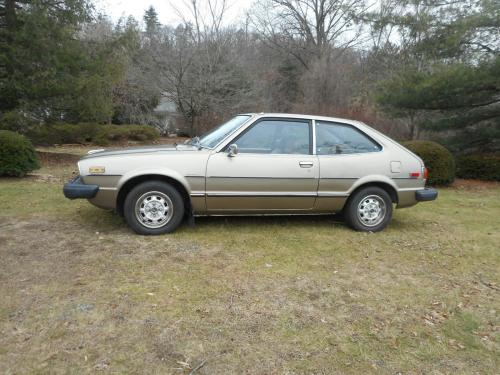 Photo Image Gallery & Touchup Paint: Honda Accord in Gold Metallic   (YR28M)  YEARS: 1976-1978