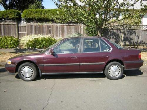 Photo Image Gallery & Touchup Paint: Honda Accord in Mulberry Red Pearl  (R74P)  YEARS: 1990-1991