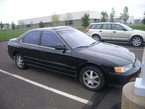 Photo Image Gallery & Touchup Paint: Honda Accord in Granada Black Pearl  (NH503P)  YEARS: 1994-1995