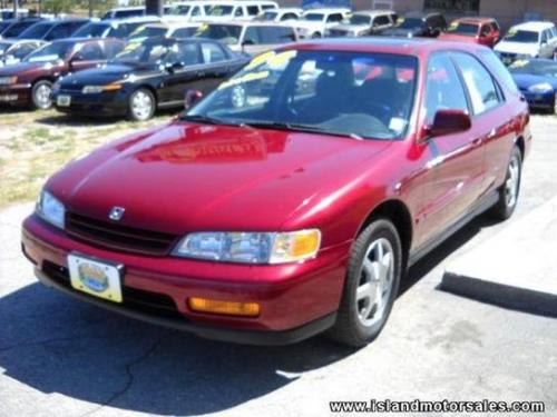 Photo Image Gallery & Touchup Paint: Honda Accord in Bordeaux Red Pearl  (R78P)  YEARS: 1994-1997
