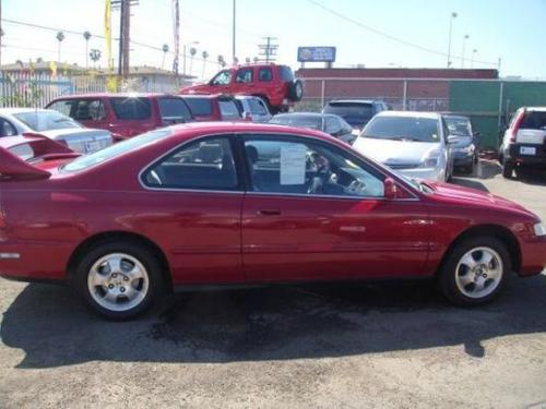Photo Image Gallery & Touchup Paint: Honda Accord in San Marino Red  (R94)  YEARS: 1997-1997
