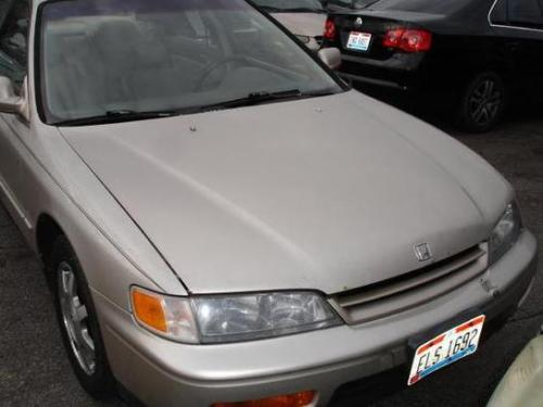 Photo Image Gallery & Touchup Paint: Honda Accord in Cashmere Metallic   (YR505M)  YEARS: 1994-1995