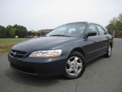 Photo Image Gallery & Touchup Paint: Honda Accord in Mystic Blue Pearl  (B80P)  YEARS: 1998-1998