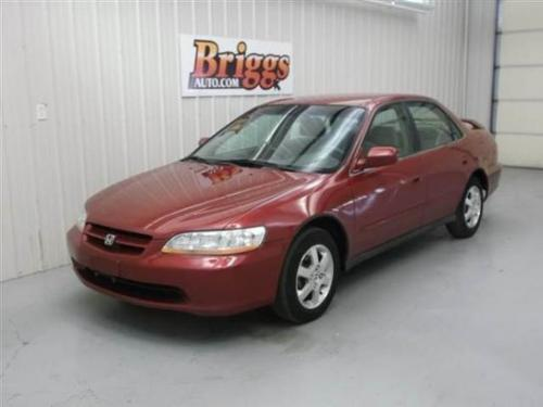 Photo Image Gallery & Touchup Paint: Honda Accord in Ruby Red Pearl  (R504P)  YEARS: 2000-2000
