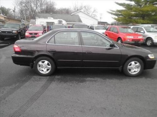 Photo Image Gallery & Touchup Paint: Honda Accord in Black Currant Pearl  (RP25P)  YEARS: 1998-1999
