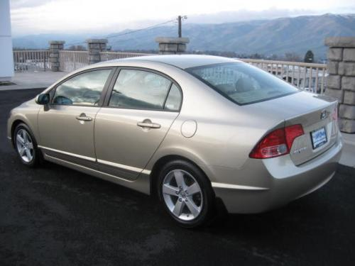 Photo Image Gallery & Touchup Paint: Honda Civic in Borrego Beige Metallic  (YR566M)  YEARS: 2007-2007