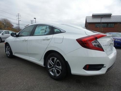 Photo Image Gallery & Touchup Paint: Honda Civic in Taffeta White   (NH578)  YEARS: 2016-2018