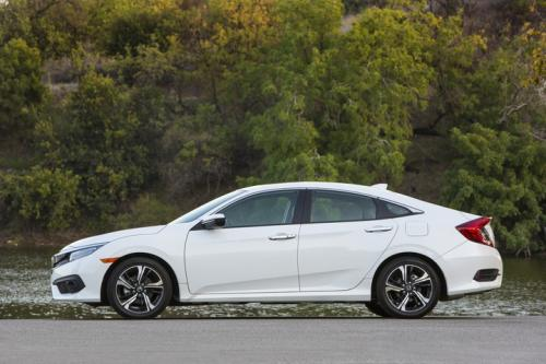 Photo Image Gallery & Touchup Paint: Honda Civic in White Orchid Pearl  (NH788P)  YEARS: 2017-2018