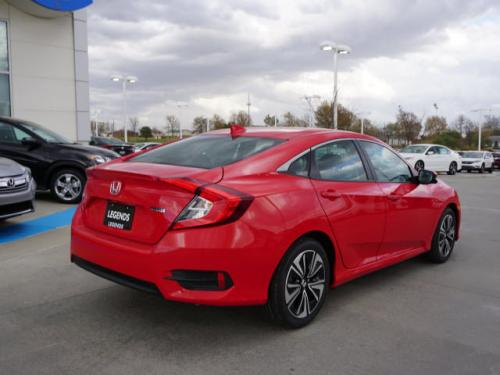 Photo Image Gallery & Touchup Paint: Honda Civic in Rallye Red   (R513)  YEARS: 2016-2018