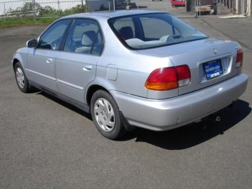 Photo Image Gallery & Touchup Paint: Honda Civic in Vogue Silver Metallic  (NH583M)  YEARS: 1996-2000