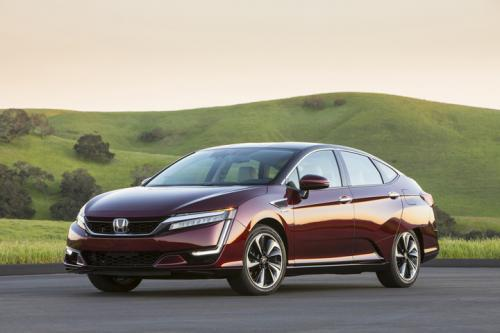 Photo Image Gallery & Touchup Paint: Honda Clarity in Bordeaux Red Metallic  (R567M)  YEARS: 2017-2018
