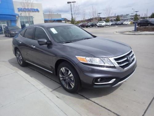 Photo Image Gallery & Touchup Paint: Honda Crosstour in Modern Steel Metallic  (NH797M)  YEARS: 2015-2015