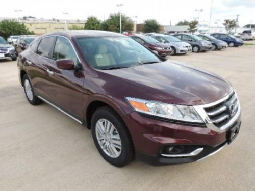 Photo Image Gallery: Honda Crosstour in Basque Red Pearl 2 (R548P)  YEARS: -