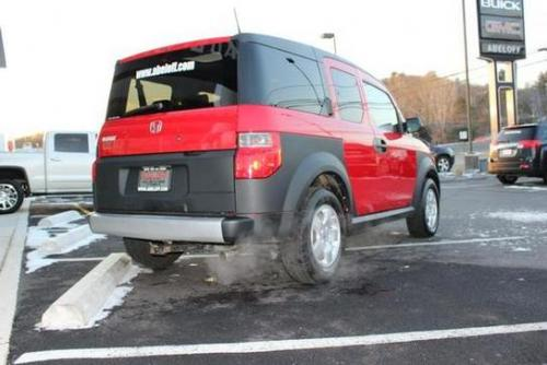 Photo Image Gallery & Touchup Paint: Honda Element in Rallye Red   (R513)  YEARS: 2005-2006