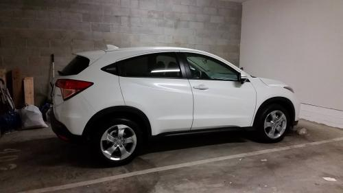 Photo Image Gallery & Touchup Paint: Honda Hrv in White Orchid Pearl  (NH788P)  YEARS: 2016-2018