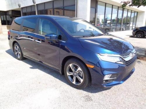 Photo Image Gallery & Touchup Paint: Honda Odyssey in Obsidian Blue Pearl  (B588P)  YEARS: 2018-2019