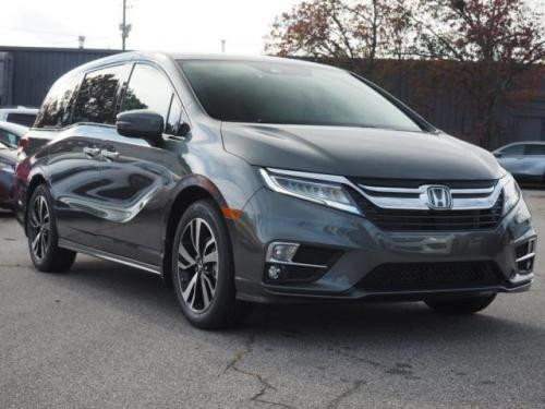 Photo Image Gallery & Touchup Paint: Honda Odyssey in Forest Mist Metallic  (G537M)  YEARS: 2018-2019
