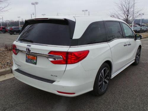 Photo Image Gallery & Touchup Paint: Honda Odyssey in White Diamond Pearl  (NH603P)  YEARS: 2018-2019
