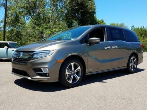 Photo Image Gallery & Touchup Paint: Honda Odyssey in Pacific Pewter Metallic  (NH862M)  YEARS: 2018-2019