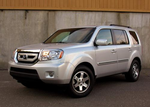 Photo Image Gallery & Touchup Paint: Honda Pilot in Billet Silver Metallic  (NH689M)  YEARS: 2009-2009