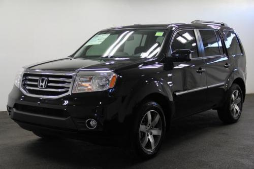 Photo Image Gallery & Touchup Paint: Honda Pilot in Crystal Black Pearl  (NH731P)  YEARS: 2010-2015