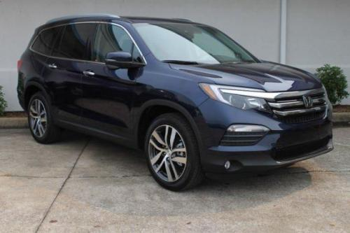Photo Image Gallery & Touchup Paint: Honda Pilot in Obsidian Blue Pearl  (B588P)  YEARS: 2016-2019