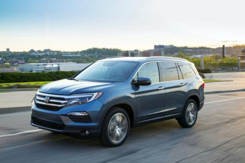 Photo Image Gallery & Touchup Paint: Honda Pilot in Steel Sapphire Metallic  (B600M)  YEARS: 2016-2019
