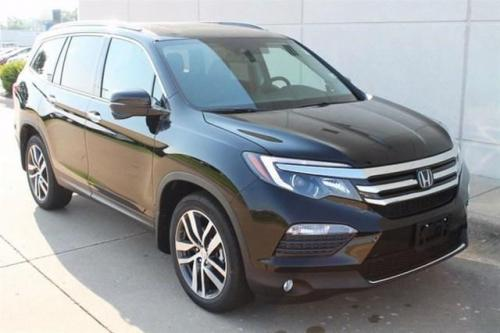 Photo Image Gallery & Touchup Paint: Honda Pilot in Crystal Black Pearl  (NH731P)  YEARS: 2016-2019