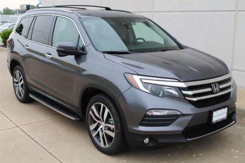 Photo Image Gallery & Touchup Paint: Honda Pilot in Modern Steel Metallic  (NH797M)  YEARS: 2016-2019
